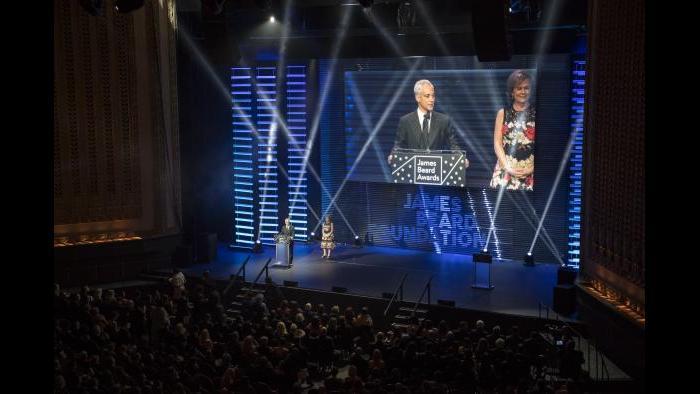 Mayor Rahm Emanuel welcomes the audience. (Courtesy of James Beard Foundation)