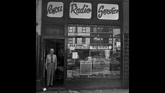 Shop Owner, Uptown 1978/79 (David Gremp)