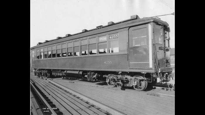Exterior view of a 4000 series railcar from the CTA's Heritage fleet. (Courtesy CTA)