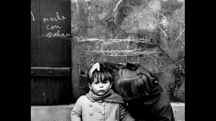 (© Sabine Weiss / Courtesy Stephen Daiter Gallery, Chicago)