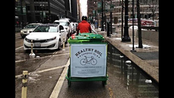 Cycling in the Loop during winter. (Courtesy Jonathan Scheffel)