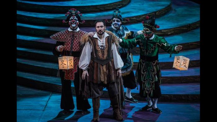 "Stefano La Colla, center, in ""Turandot"" (Courtesy of Lyric Opera Chicago)"