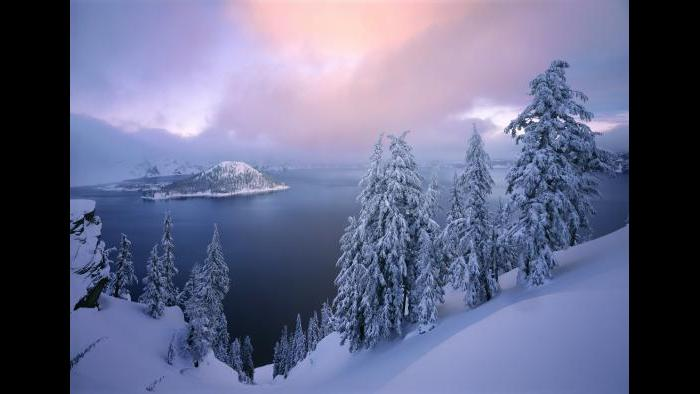 Crater Lake National Park (Courtesy of QT Luong)