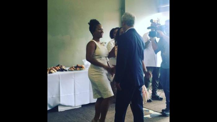 Cynthia Smith has become a vocal activist for homeless agencies throughout Chicago. Here, she meets Mayor Rahm Emanuel. (Courtesy of Cynthia Smith)