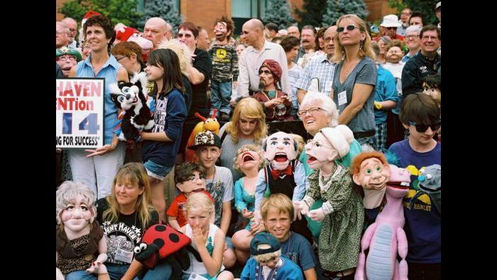 Group photo from the 2014 Vent Haven Ventriloquist Convention (Estelle Hanania)