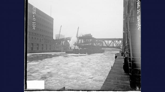 "(Courtesy of ""Chicago River Bridges"" by Patrick McBriarty)"