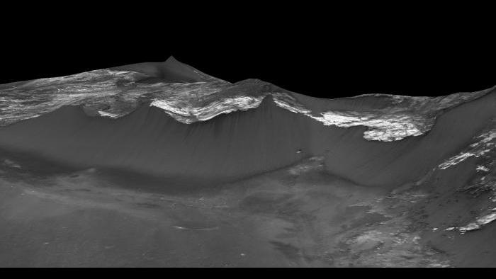 RSL in Coprates Chasma. Photo by NASA/JPL-Caltech/University of Arizona