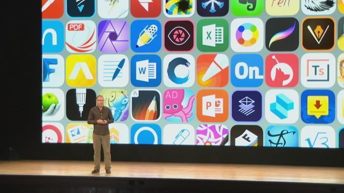 Apple exec Greg Joswiak exploring various education apps available on the iPad.