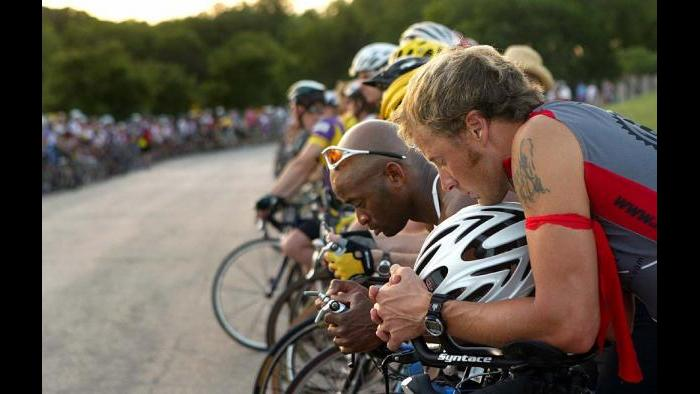 Cyclists pause during the 2005 Ride of Silence in Dallas. (Ride of Silence)