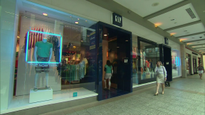June 17, 2015 - Gap to Close 175 Stores