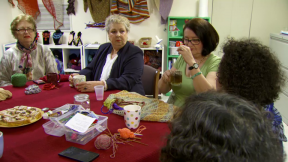 Local Crafting Group Knits Refugees, Immigrants Together