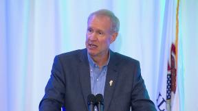 October 7, 2015 - Governor Rauner Ups the Heat on Democrats